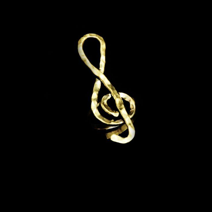 Χειροποίητο δαχτυλίδι κλειδί του σολ με σφυρήλατο ορείχαλκο