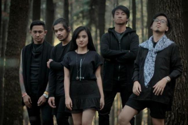 Wajah Baru dengan Vokalis Cewek, Killing Me Inside Tetap Cadas! - Hai Online - Musik, sekolah, lifestyle anak muda Indonesia