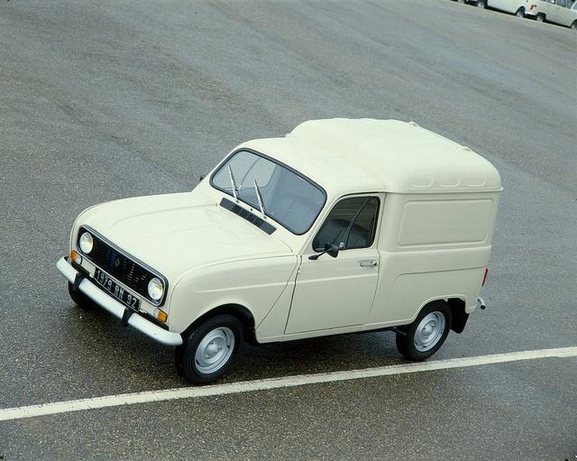 Renault 4 F4. ook ooit nog eens gehad.