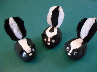 ARTventurous: Skunks!!! - step by step instructions!!!  They use clay, but I would use papier-mache for the body or Model Magic
