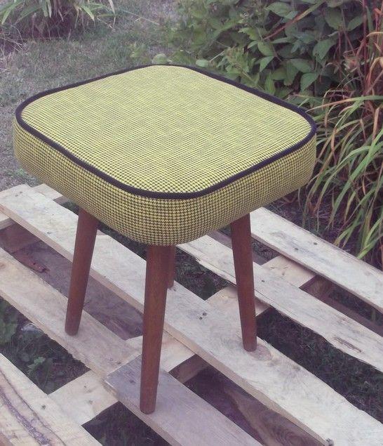 stołek,taboret, z lat 70- tych, puf ,renowacja,PRL