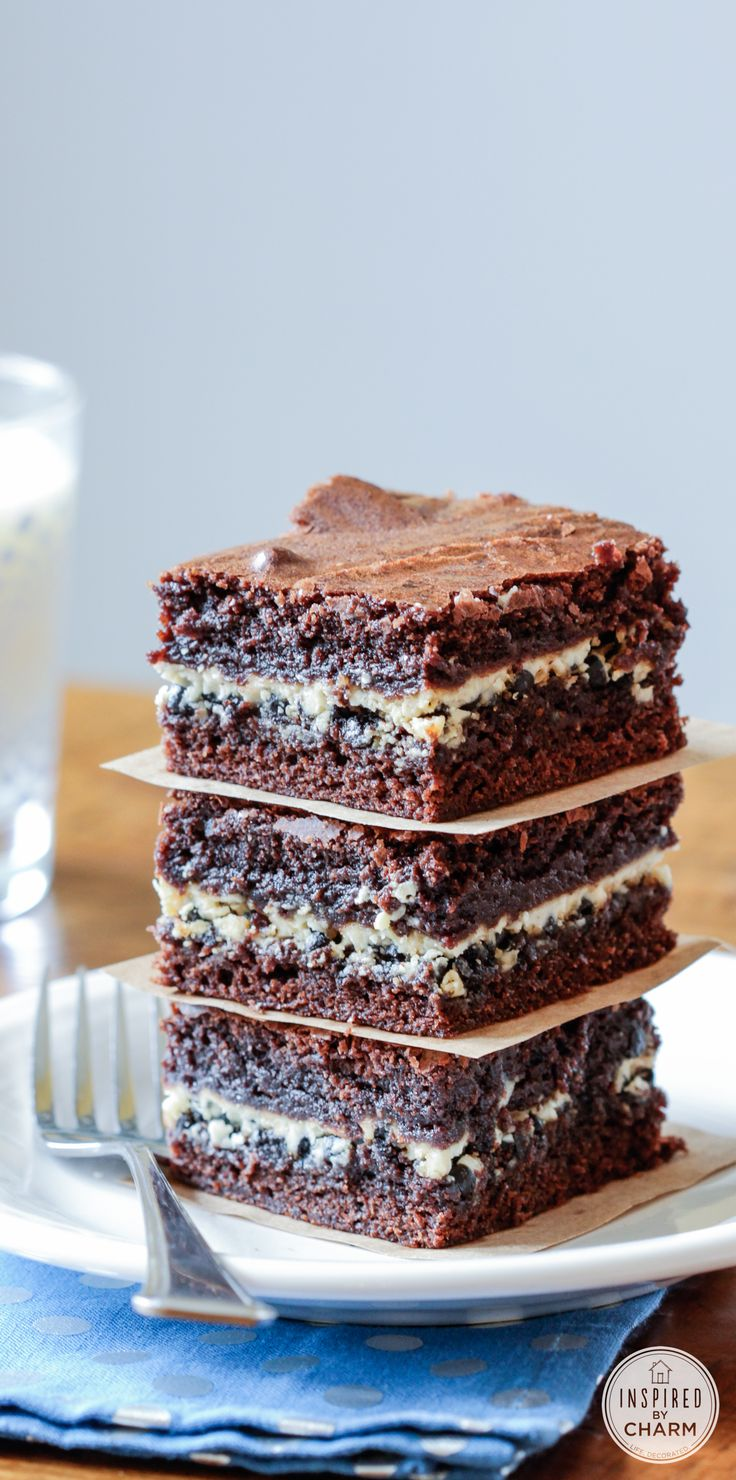 Cookies and Cream Filled Brownies. These are SO easy to make and taste incredible!