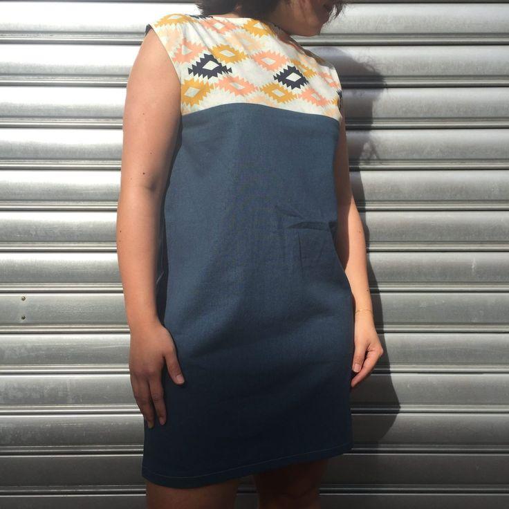 La Robe Aurélia est idéale pour les débutantes en couture. Sa coupe simple et fluide est intemporelle et vous suivra tout au long des saisons.
