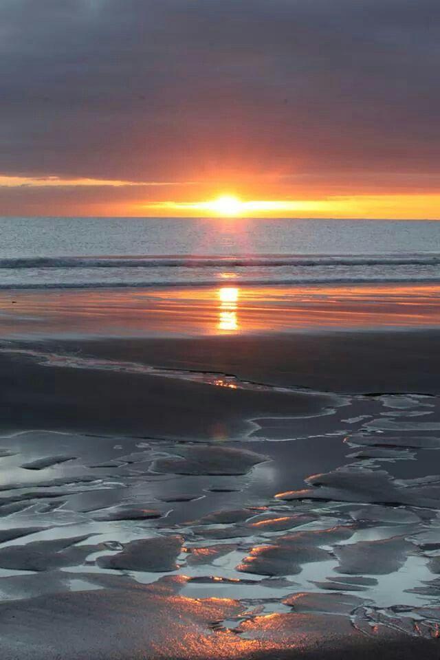 Coastlands Beach Sunrise Whakatane, New Zealand