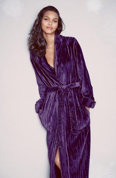 rich purple winter robe http://rstyle.me/n/swdw2r9te