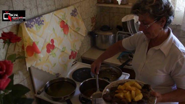 Παραδοσιακοι κεφτεδες της Κρητης με τηγανιτες πατατες χοντροκομμενες - YouTube