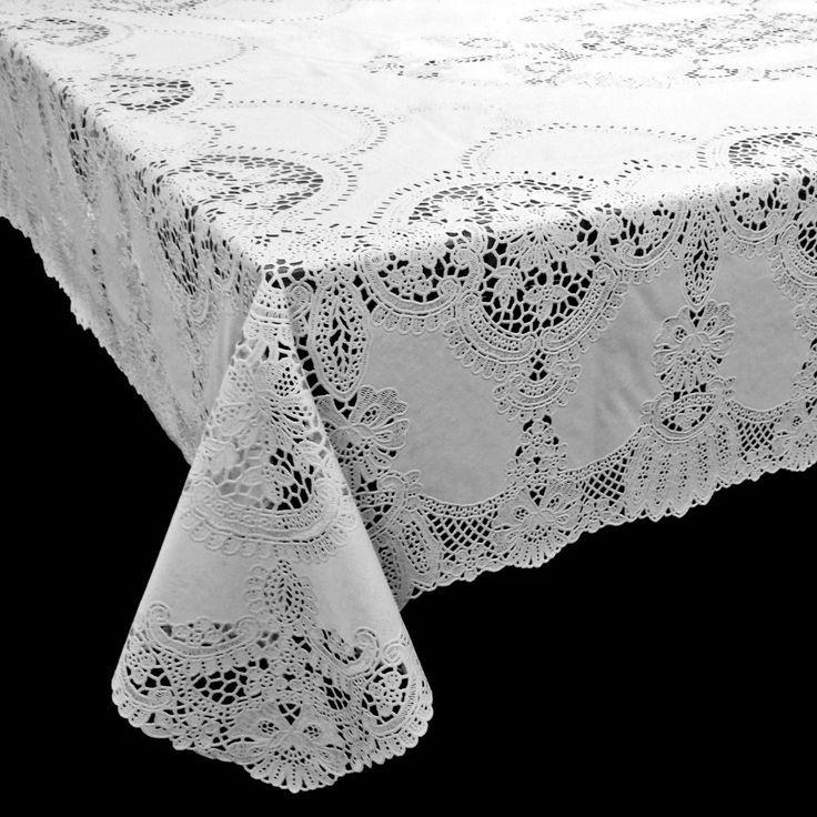 Vinyl Crochet Tafelkleed Wit - Leuk crochet tafelkleed met gehaakte kanten effect in het wit. Dit vinyl tafelkleed is perfect voor buiten. Het tafelkleed geeft een sfeervolle uitstraling aan tuin, terras of balkon en valt soepel om je tafel heen. Ideaal voor gebruik in de zomer en makkelijk afneembaar met een vochtige doek. Het is antislip en weerbestendig. Het vinyl crochet tafelkleed is beschikbaar in verschillende kleuren en maten. Uiteraard zijn deze romantische tafelkleden ook…