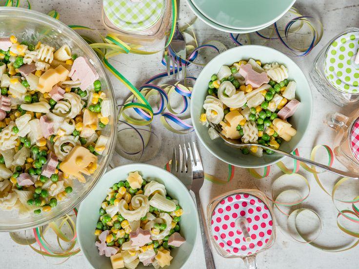 Bunter Nudelsalat für Kinder: Pasta-Spaß für groß und klein