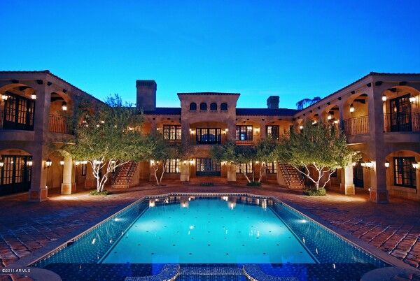 Big house with pool bfh 39 s pinterest houses with for Big mansions with pools