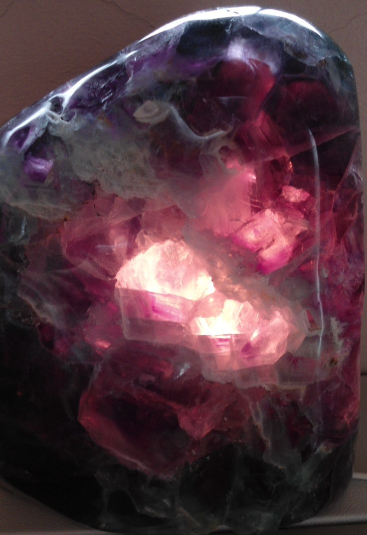 Fluorite Lamps - An essential healing stone, surrounding one in inner peace. Strengths intuition, brings order to chaos, increases concentration