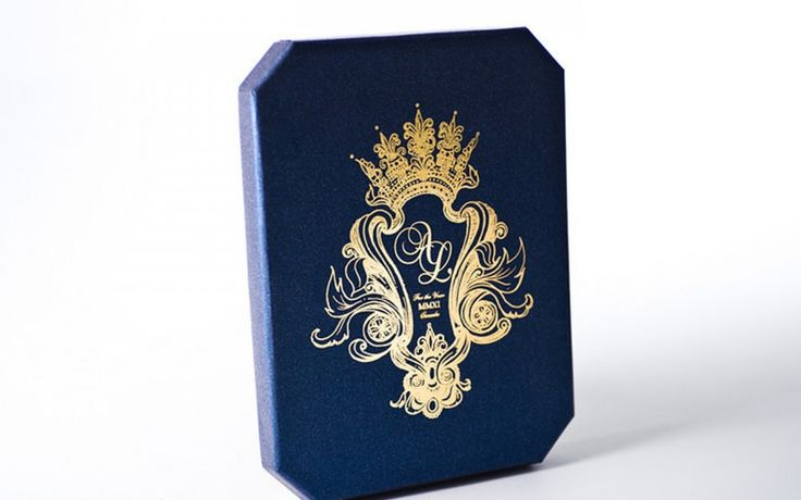 Luxury in Navy and Gold. Wedding Invitation,  Anniversary, or birthday, this style is classic and timeless.... most importantly, it is unforgettable. www.palettera.ca