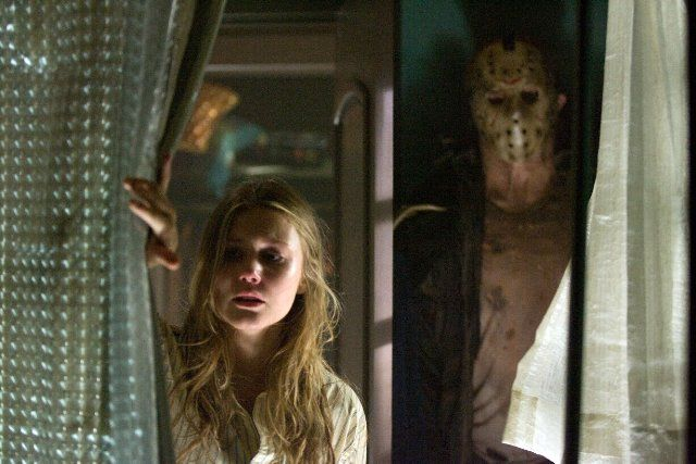Still of Derek Mears and Julianna Guill in Friday the 13th (2009)