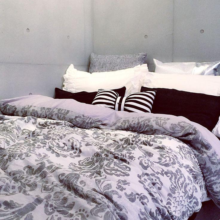 Bedroom×ダマスク柄のインテリア実例 | 2ページ目 | RoomClip (ルーム ... Bedroom/ベッド/クッション/Francfranc/ベッドカバー/コンクリート/フランフラン/