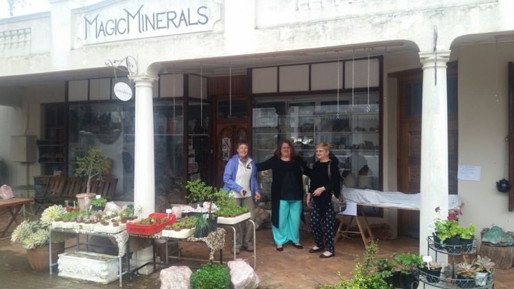 A shop with a very rude owner, warm and friendly staff and a treasure trove of minerals and crystals. Situated in Philadelphia, on the South African west coast
