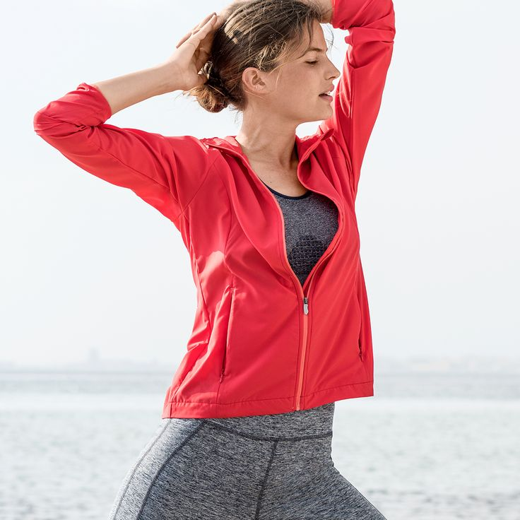 Action or Relaxation? With a stylish feel-good-outfit each move is twice as much fun! Discover your new sportswear now!