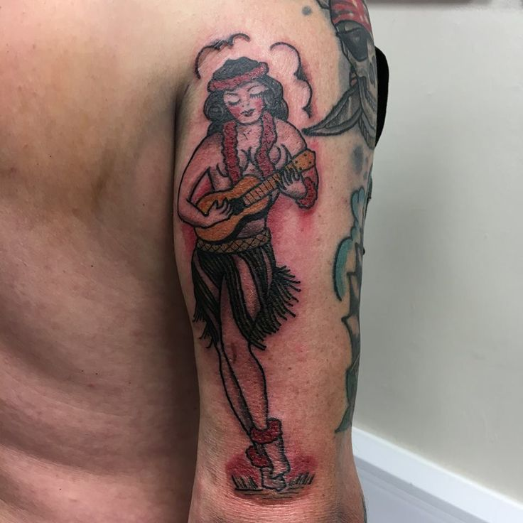 Hula girl by Paul #devilsowntattoos #tattoo #traditional #leicester #tattoos