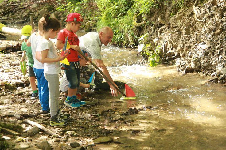 Concurs de bărcuțe, vacanța cu familia, activități pentru copii, Munții Ciucaș, Vama Buzăului