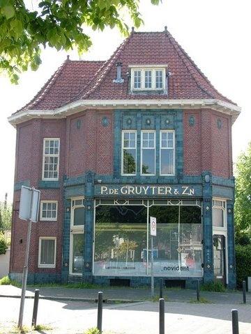 Mariaplein, prachtige oude gevel van de Gruyter