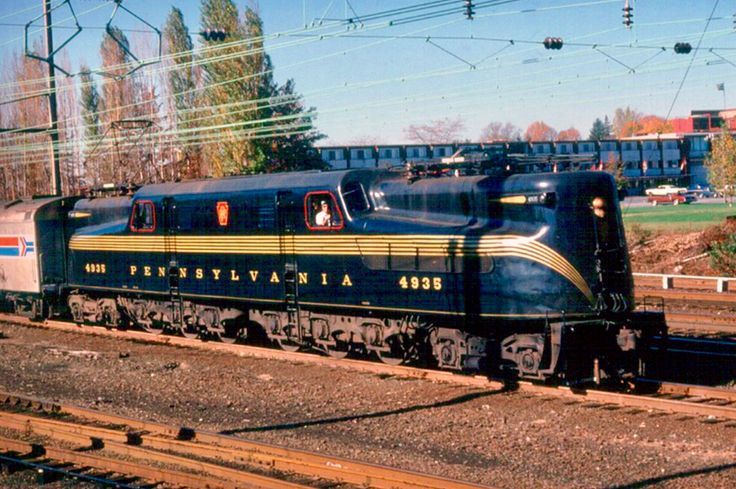 Pennsy GG1 4935 powers at Lancaster in Pennsylvania, USA