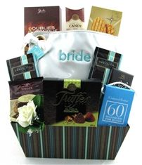 Wedding Gift Basket Delivery : ... Gift Baskets Canada on Pinterest Wine Gift Baskets, Custom Gifts and