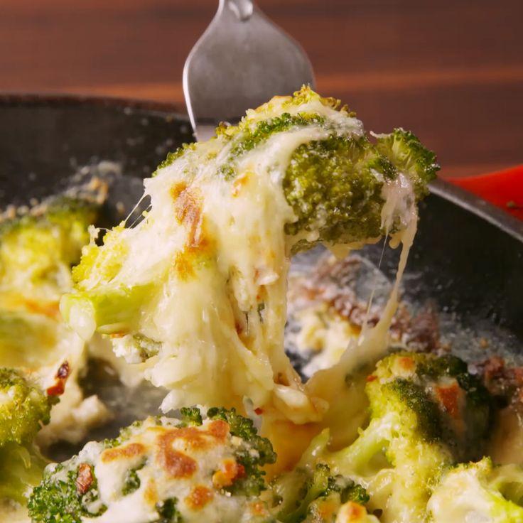 Cheesy Baked Broccoli  – kochen