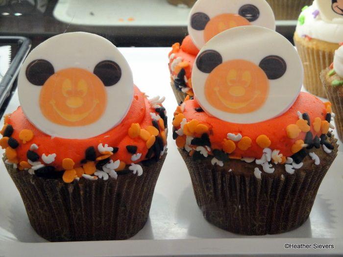 Disney Halloween Cookies and Cupcakes | Disneyland Halloween Treats