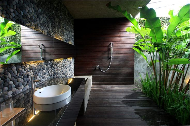 A luxurious bathroom with a outdoor bath, as in the Balinese tradition. #Seminyak #Bali Find more details here http://www.balilocations.com/villas/seminyak/bvse066
