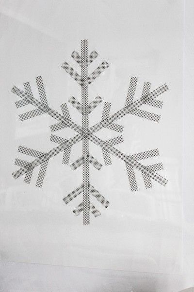DIY washi tape snowflake poster - from Inspirationsdesign.blogg.se