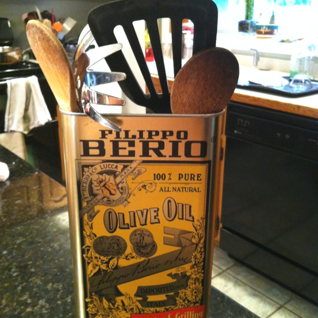 DIY olive oil tin utensil holder
