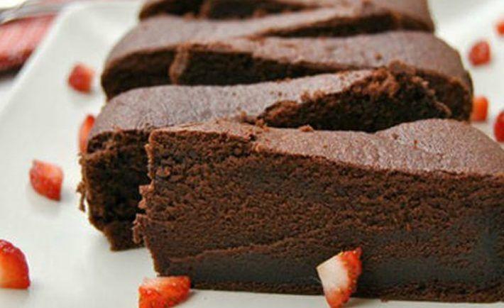 Božská čokoládová torta z 3 ingrediencií a kompletne bez múky - Báječná vareška