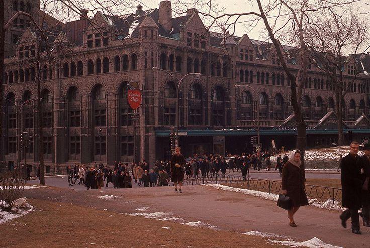 En 1964, la gare Windsor servait encore de terminus et de siège social au Canadien Pacifique.