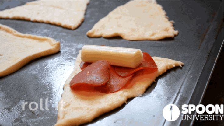 These 3-Ingredient Pizza Rolls Destroy Hot Pockets