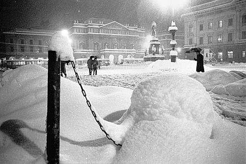 Winter Italy NEVICATA_STORICA_MILANO_1985_ghiaccio_