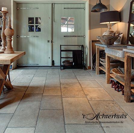 Rustieke dallen. Vloeren, Floor, Tegels, tiles, oud, old, antiek, antique, interieur, interior. Oude bouwmaterialen afkomstig van 't Achterhuis.