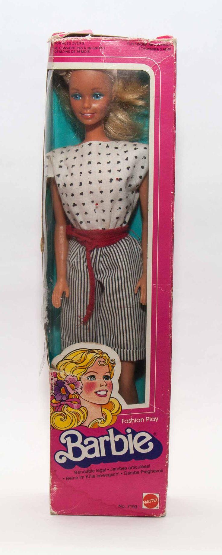 1983 -as Fashion Barbie 7193-as modell, eredeti dobozban.