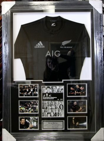RICHIE McCAW SIGNED ALL BLACKS JERSEY