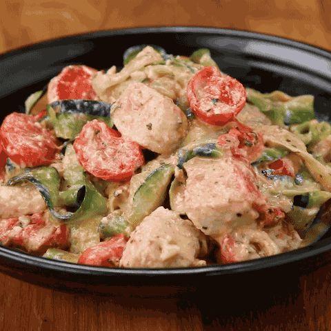 "Enjoy! | You Won't Miss Pasta With This Creamy Tomato Basil Zucchini ""Linguini"""