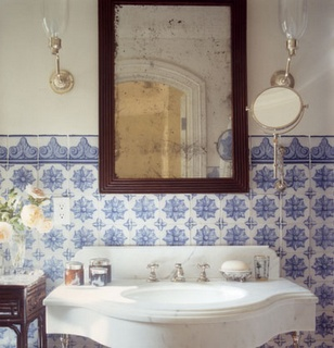 Lovely tiles. Reminds me that my dream house has a tiled bathroom (and not subway tiles, but gorgeous crafted tiles).