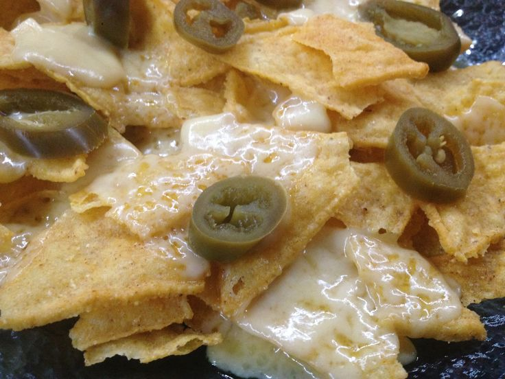 Nachos con formaggio e jalapenos #nachos #jalapenos #snack #texmex