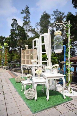 Pernikahan yang berlangsung di Pangrango Resort Sukabumi sangat berkesan karena suasananya yang sangat asri. Yuk baca di sini!