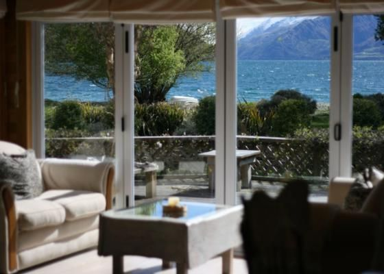 Cozy Lakeside Paradise in Kingston, Queenstown-Lakes | Bookabach