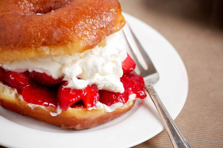 Donut Strawberry Shortcake....I think I'll try this with chocolate ...