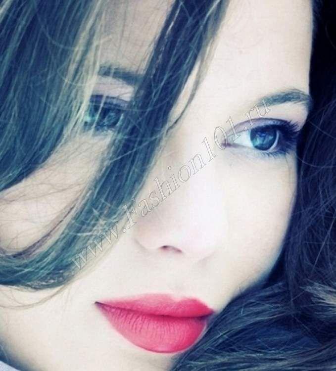 Классический вневременной стиль макияжа глаз