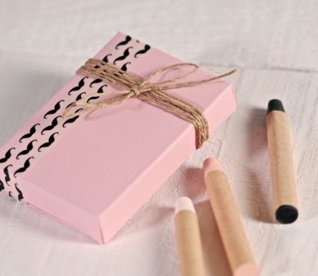 Life is better with moustaches (and gift boxes)! #washitapes #moustache #mustache #giftboxes #crafting http://selfpackaging.com/4002-rectangular-box-for-wedding-gifts-852.html