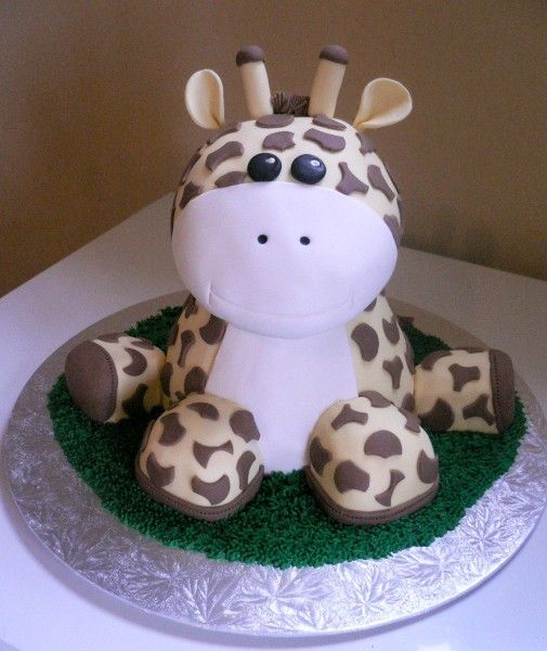 Giraffe cake, think i just peed my pants considering giraffes are pretty much my FAVORITE animal:')