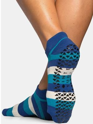 Pointe Studio Grip Socks.  Barre Socks.  Workout socks for pilates and yoga.  Cute Grip Sock.  Barre Sock for the Barre Girl.  Great for Pure Barre, Barre3, Physique57, Studio Barre, Xtend Barre, Cardio Barre, Tone Barre, Bar Method, Pink Barre, Sculpt Barre, FlyBarre and more.