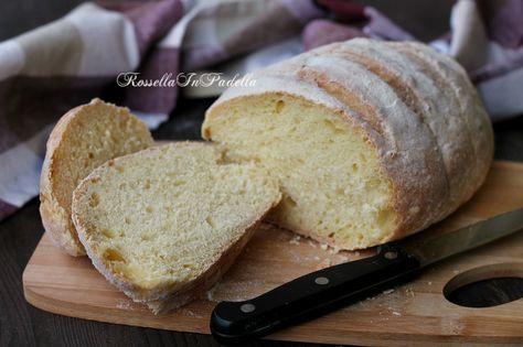 Pane di semola di grano duro. La ricetta per un pane buonissimo, soffice dentro e croccante fuori. Semplice ma molto buono.