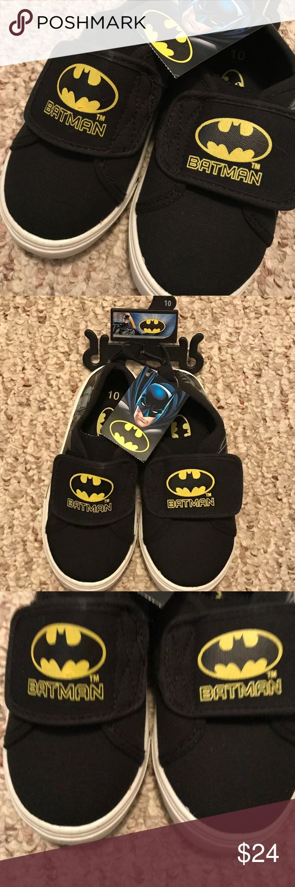 NEW BATMAN Boys Size 10 Velcro Sneakers New! Boys' BATMAN Sneakers • 100% Authentic, Licensed Product • Black w/ Yellow Bat Signal • Wide Velcro Band • Vibrant Print Colors • No holes, snags or stains  * Smoke-free If we forgot anything, just tag us and ask! No 🅿️🅿️ No Ⓜ️ 🚫 Trades DC Shoes