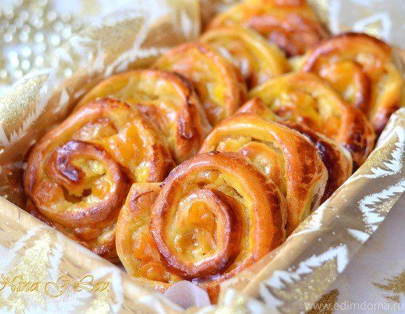 Ванильные французские булочки  Приготовьте на завтрак ароматные ванильные булочки. Традиционная французская выпечка с заварным кремом наполнит ваше утро нежностью, теплом и солнцем. Приятного чаепития! #готовимдома #едимдома #кулинария #домашняяеда #выпечка #утренняя #французская #ароматная #ванильныебулочки #чаепитие #вкусно #завтрак #длявсейсемьи #угощение