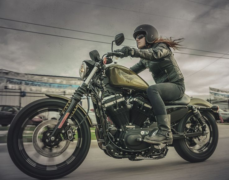 Harley Dark Custom   Custom Motorcycles   Harley-Davidson France